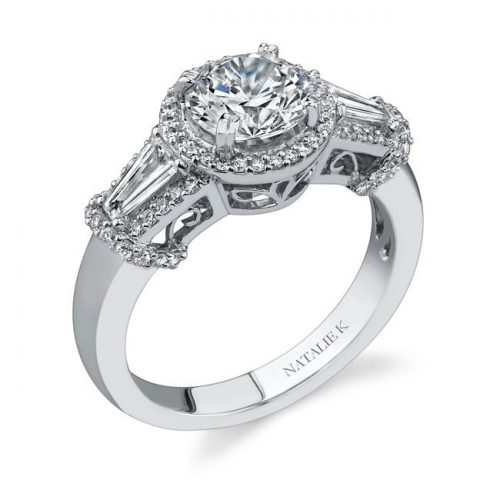 nk17889eng 3 500x500 - 18K WHITE GOLD THREE STONE DIAMOND ENGAGEMENT RING