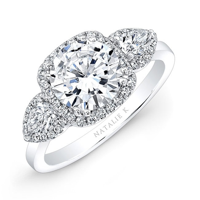 18k White Gold Pear Shaped Side Stone Square Halo